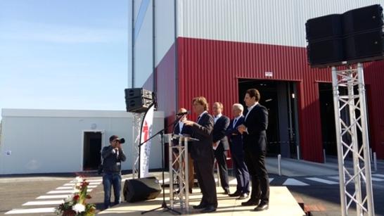 Dante Rinaudo prononce son discours lors de l'inauguration de la cimenterie d'Aliénor Ciments