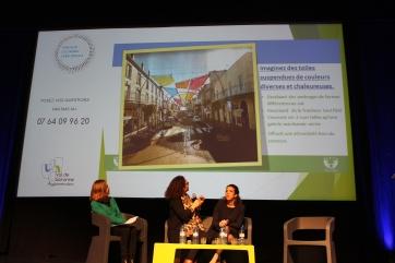 Nadia Chatta présente le projet des toiles suspendues colorées